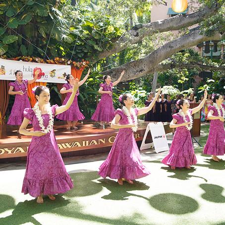 ロイヤル・ハワイアン・センターで 「第18回フラ・ホオラウナ・アロハ2019」ミニ・ホイケを開催