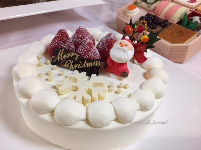 クリスマスケーキの予約も今から!写真はストロベリーショートケーキ。