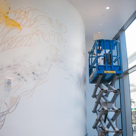 ハワイ島ヒロのアーチスト、クリスティ・コスミダスの壁画アートの挑戦!