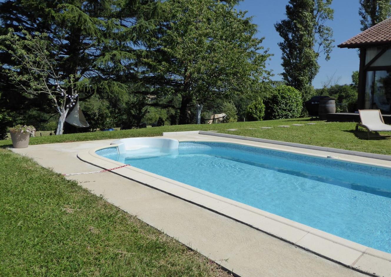 piscine gite etchola