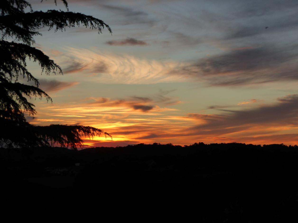 coucher de soleil au gite etchola