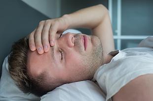 Akupunktur, Kräutermischung, Ohrakupunktur und die Shen Jiu-Therapie erweisen sich als effektive und nebenwirkungsfreie Alternativen zu Schlafmitteln.