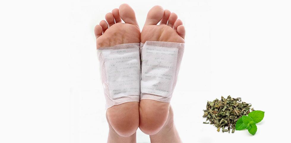 Kräuterpflaster werden auf bestimmte Akupunkturpunkte geklebt. Die Pflaster werden eingesetzt um Krankheiten vorzubeugen und zu behandeln.