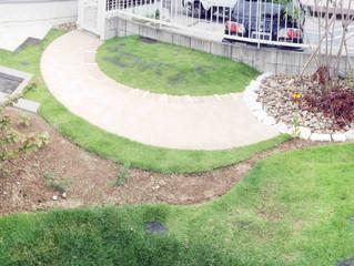 枯れた芝生の貼り替えに行ってきました。