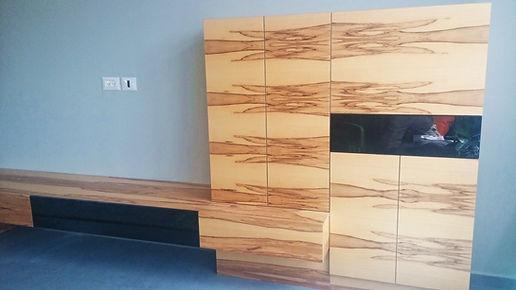 עיצוב בעץ - ארון   אסטרו נגריית רהיטים