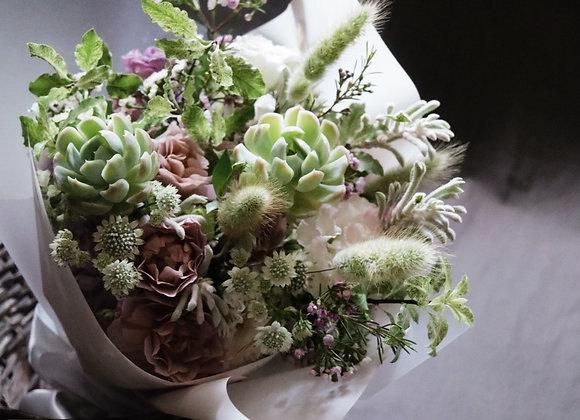 母親愛的回禮•多肉植物母親節花束  Mother's Day Succuent Bouquet
