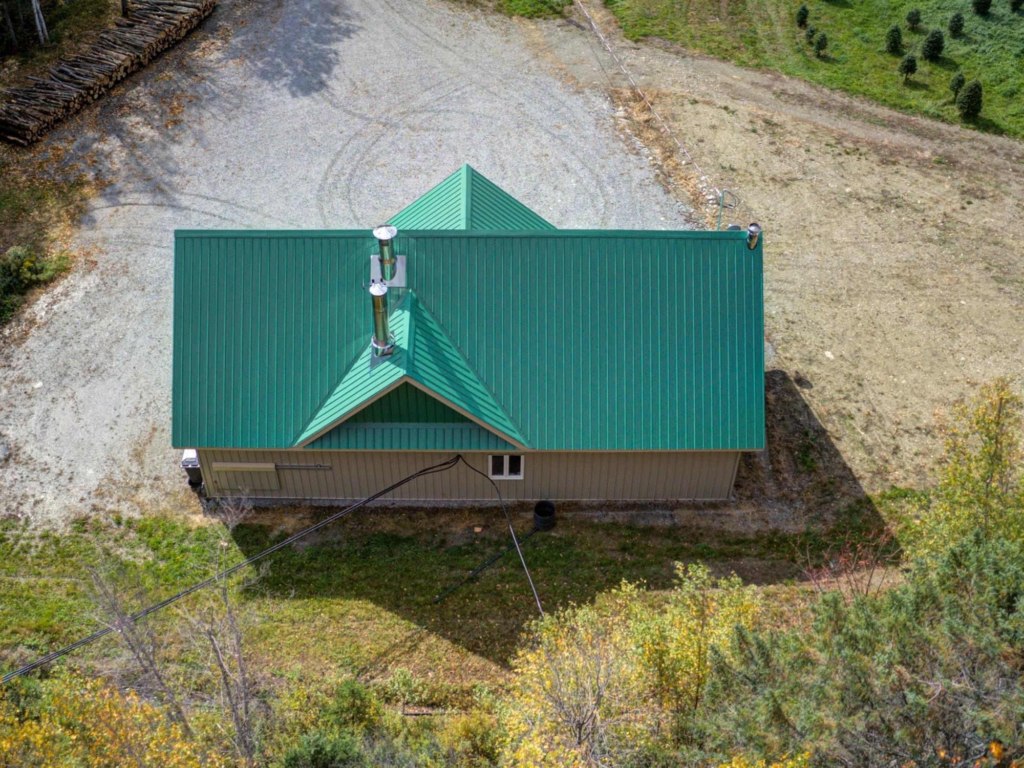 construction neuve d'une cabane à sucre