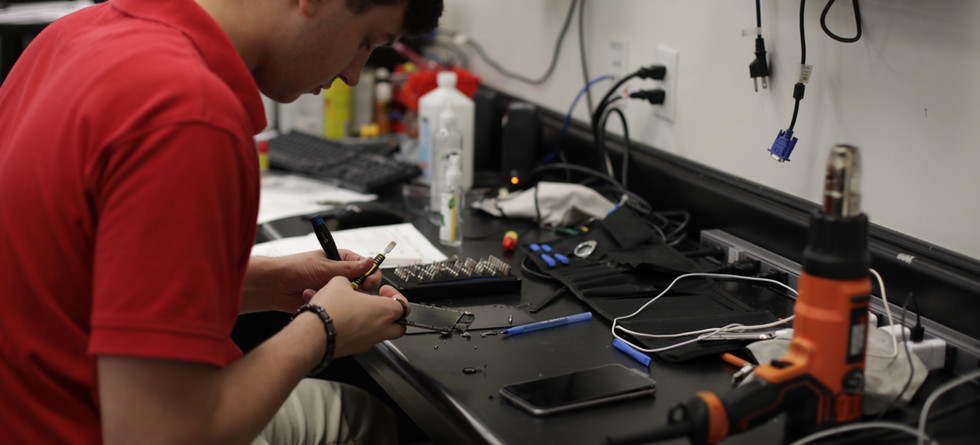 We have expert knowledge to fix your mobile device.