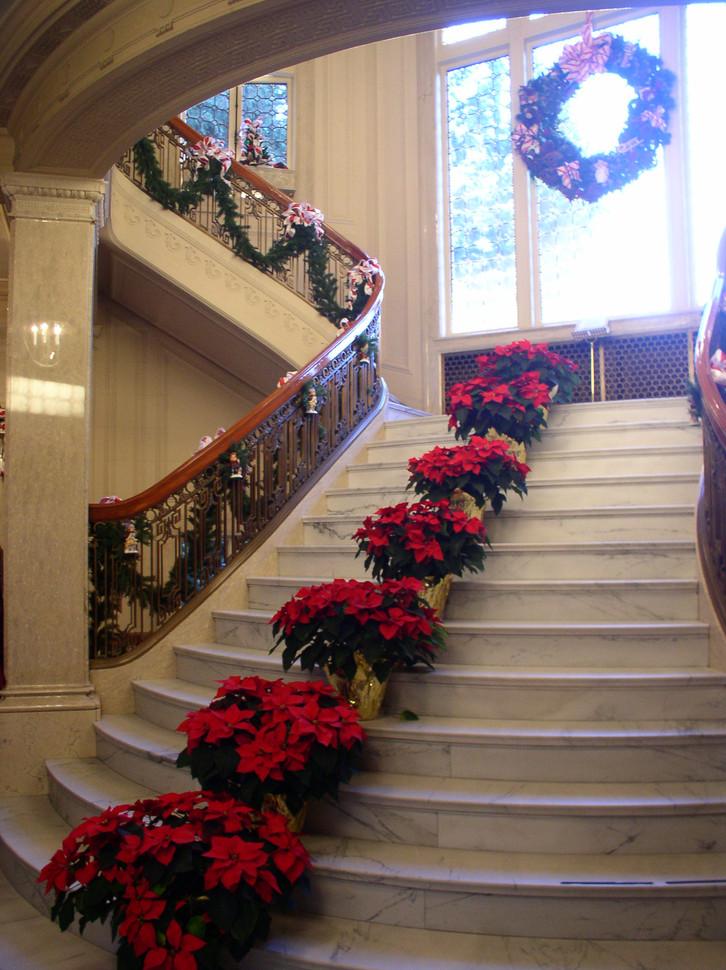 Decorate Pittock Mansion, Portland