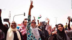 190411171542-07-sudan-rally-0411-super-1