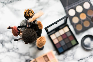 makeup-brushes-picjumbo-com.jpg