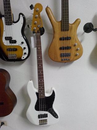Fender MODERN PLAYER WHITE