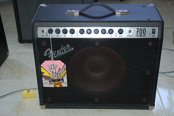 Fender Roc Pro700  - made in usa -