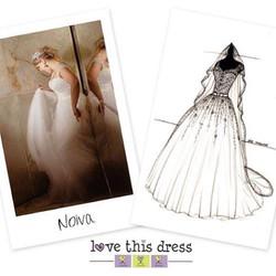 Quem não quer lembrar do vestido do casamento com tanto amor e carinho_ • • • 🇺🇸 Who doesn't want