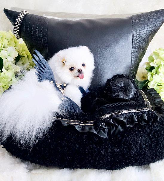 Black Beauty Vegan Leather Pet Car Seat