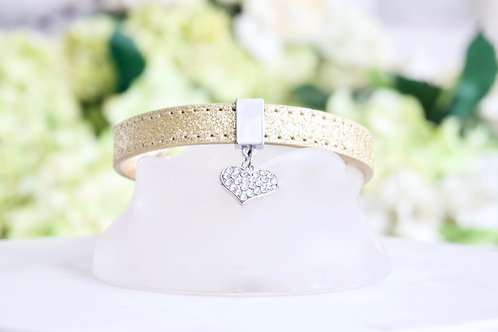 NEW! Luxury Shimmering Gold Heart Pendant Collar