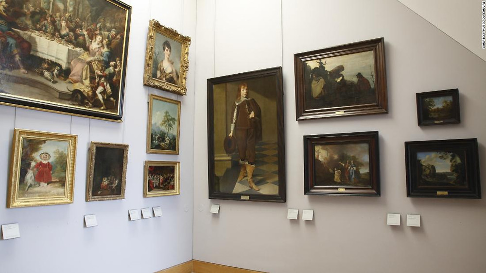 Photo of the gallery, borrowed from CNN: https://edition.cnn.com/2018/01/31/europe/louvre-museum-nazi-looted-art-display-owners-trnd/index.html