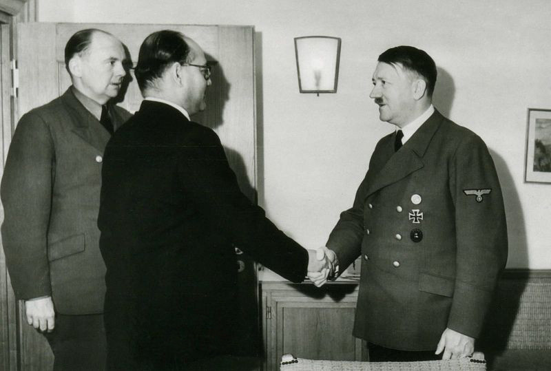 Subhas Chandra Bose meeting Hitler.