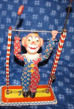 Clown trapéziste automate