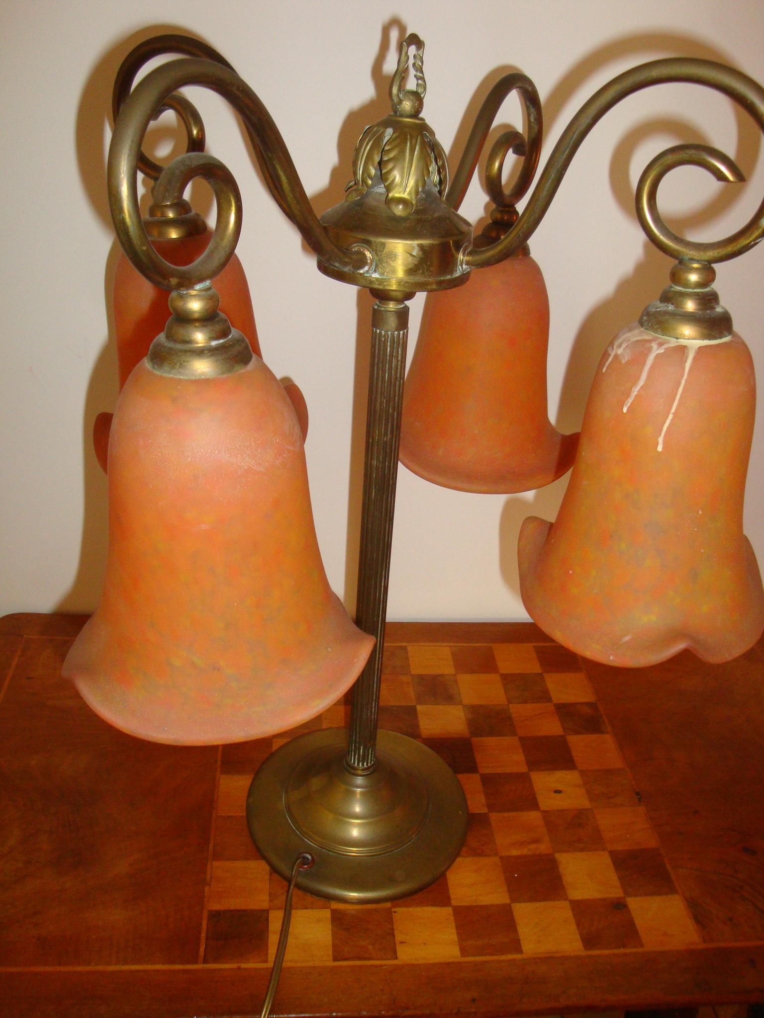 Lampe tulippe patte de verre