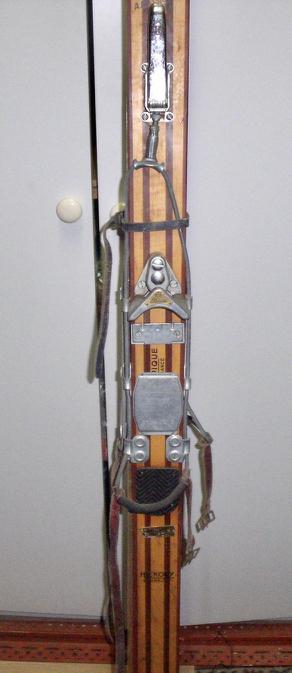 Ski Rossignol en bois Hickory BT