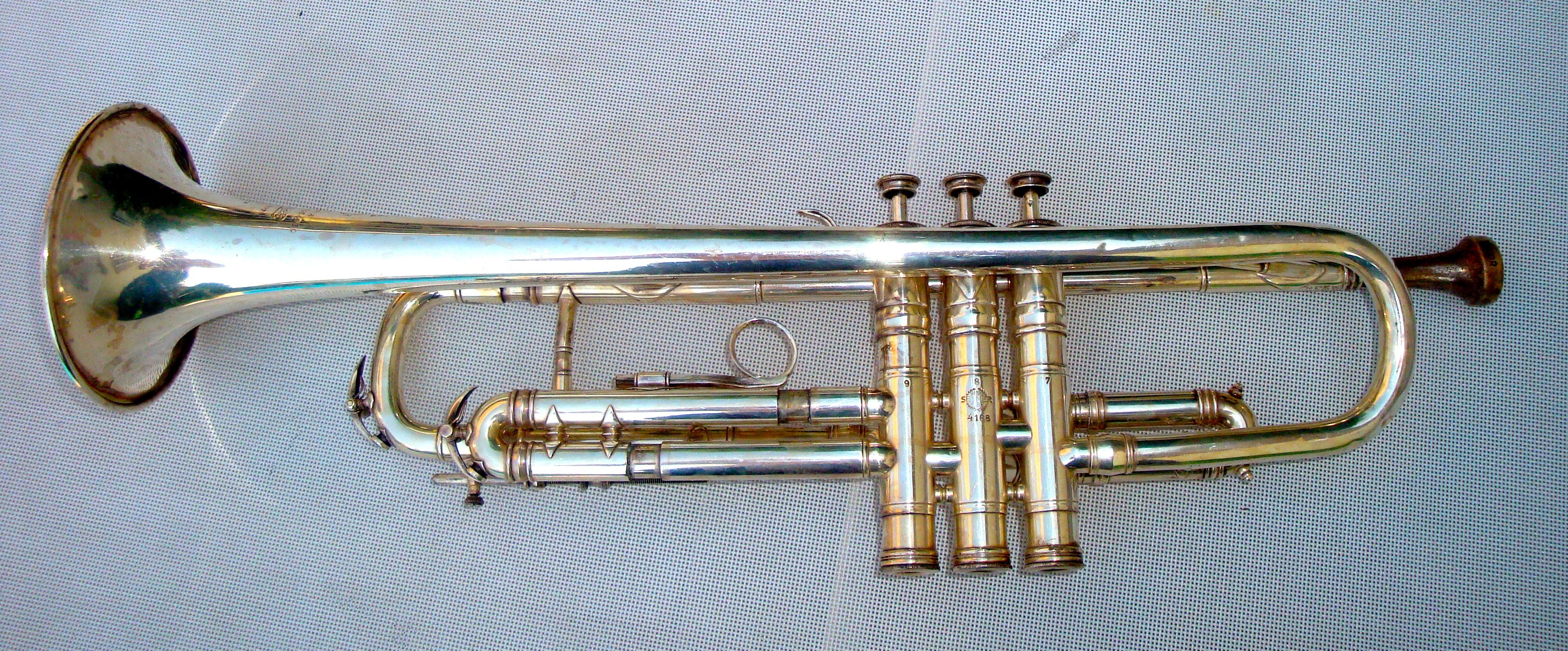 Instrument de musique Trompette Henri Selmer