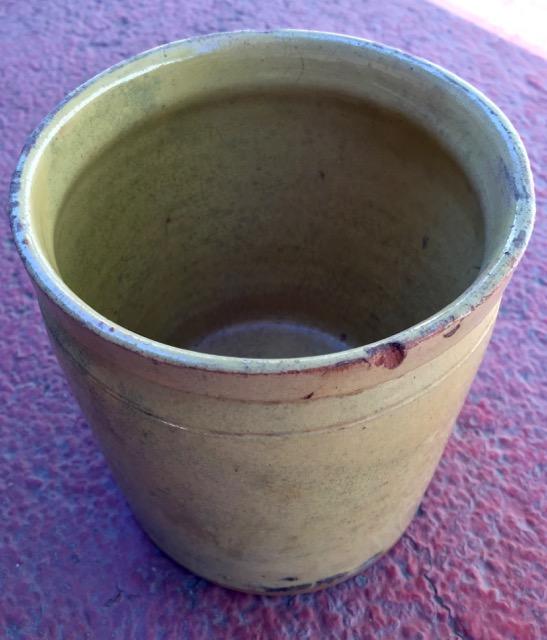 Pot en gré ancien