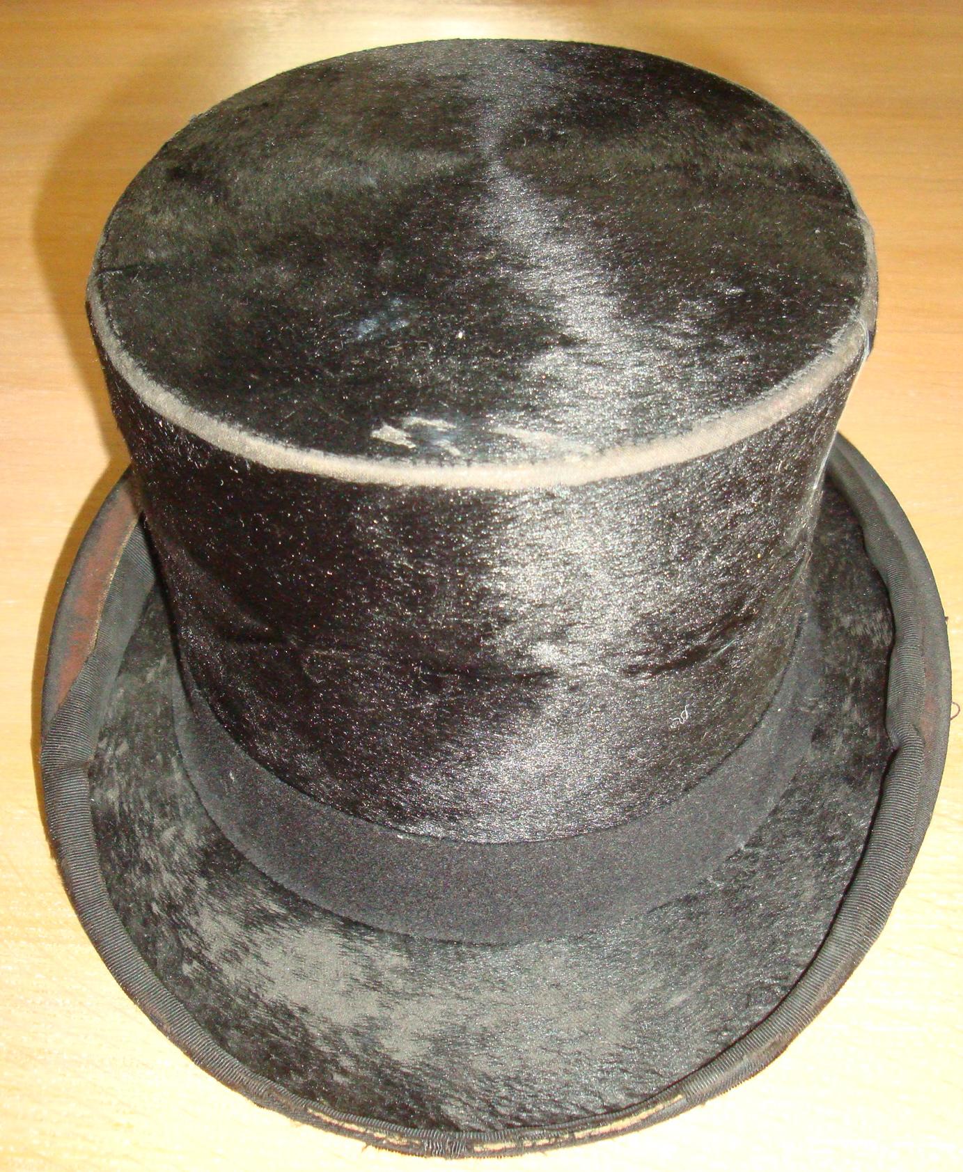 Chapeau clac 1930