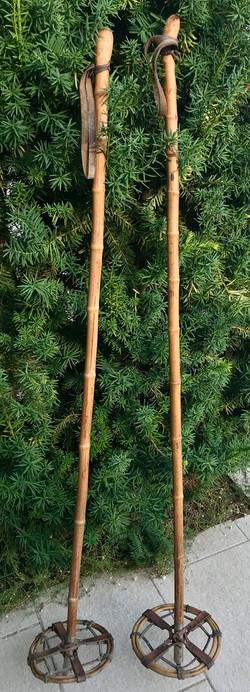 Bâtons de ski en bambou et cuir