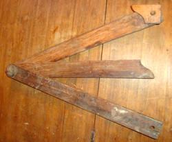 Equerre d'angle en bois