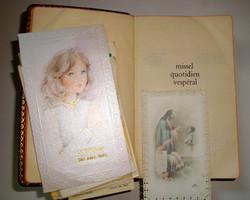 Livre ancien missel de communion