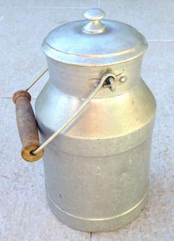 Pot à lait aluminium