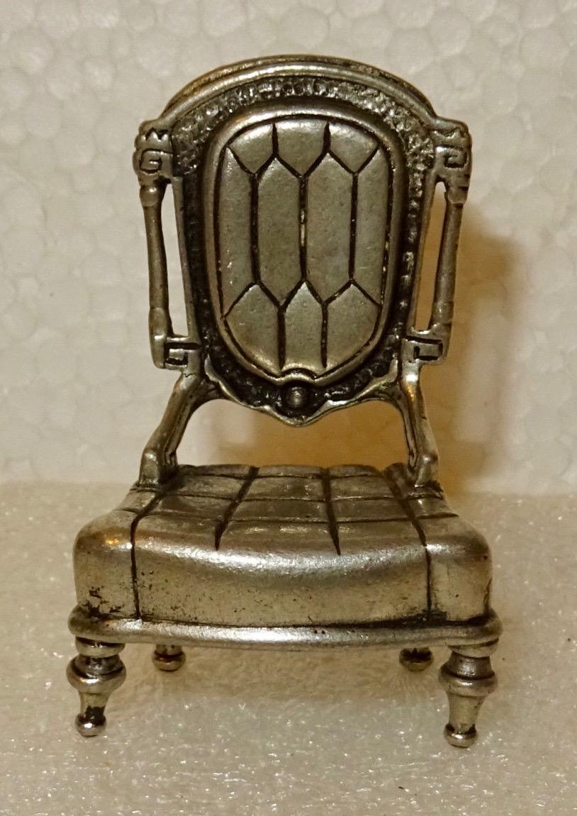 Fauteuil miniature laiton