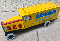 Camion Banania publicitaire