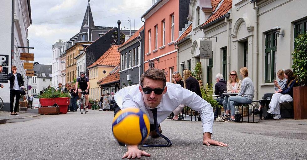 volleyballspiller-flyveslag-aarhus_edite