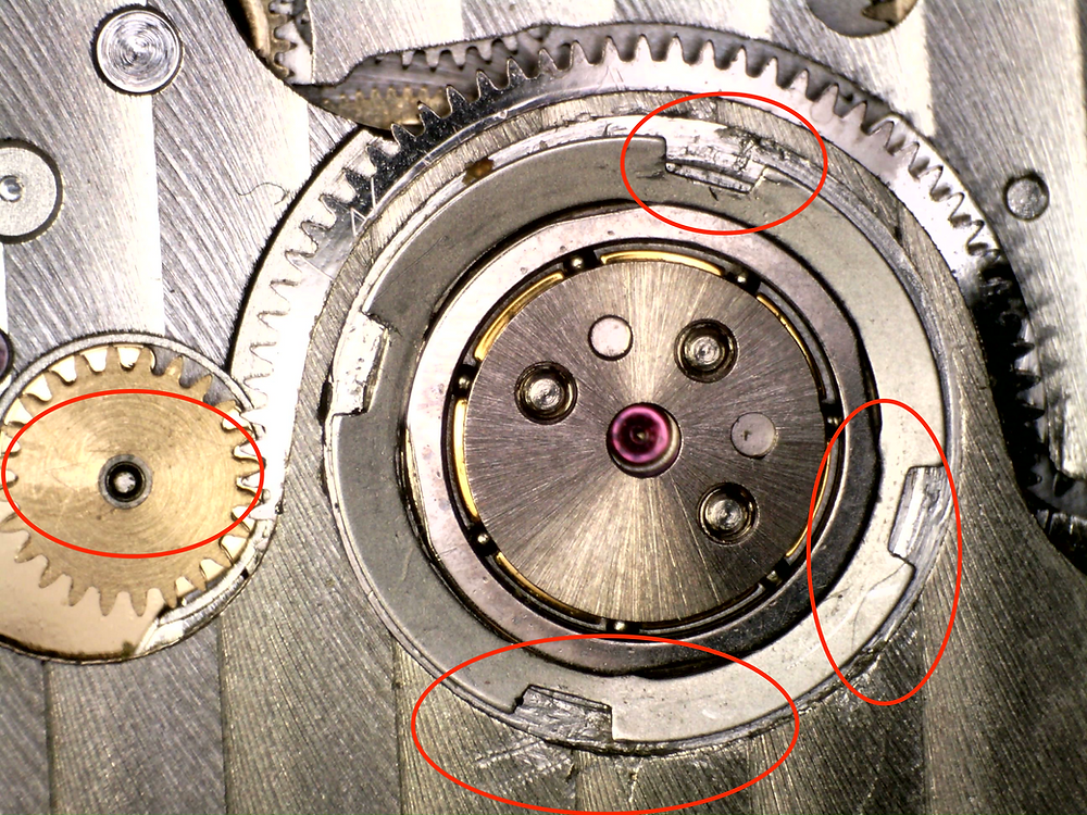Watchmakers should leave no trace. Unlike these scratch marks all over an oscillating weight