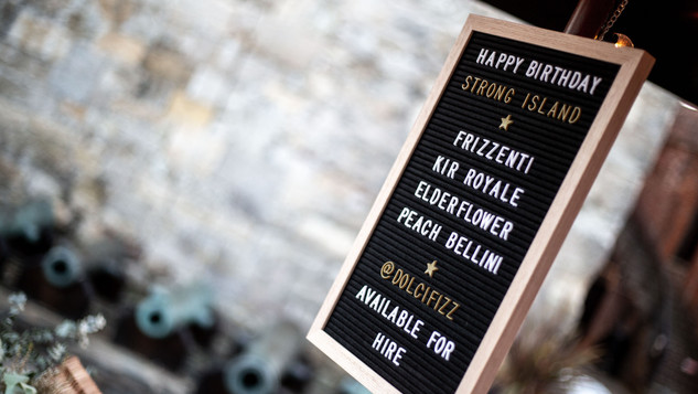 Our Felt Letter board displays your bespoke drinks menu and a short personal message or announcement. Another way we like to tailor the Dolci Fizz Experience to make it unique to your event!