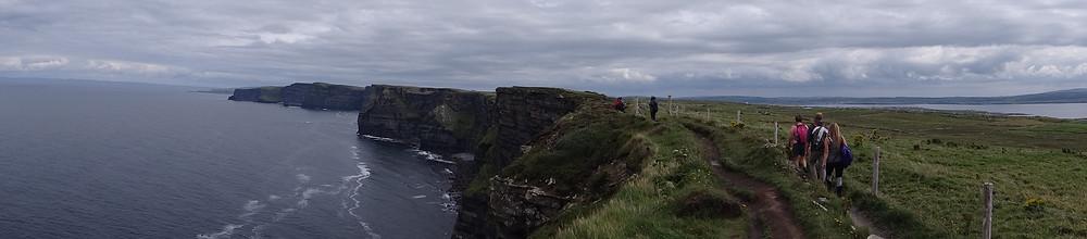 Visão panorâmica de Cliffs of Moher