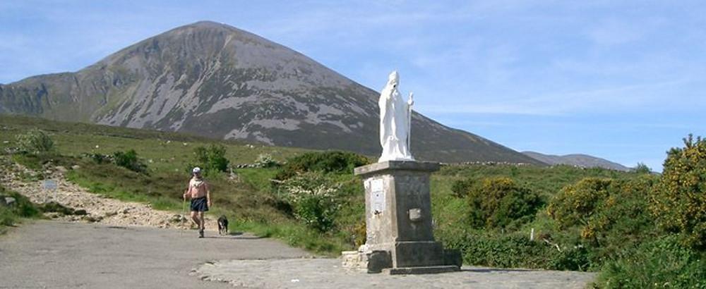 Croagh Patrick Mountain - Estátua em homenagem a Saint Patrick