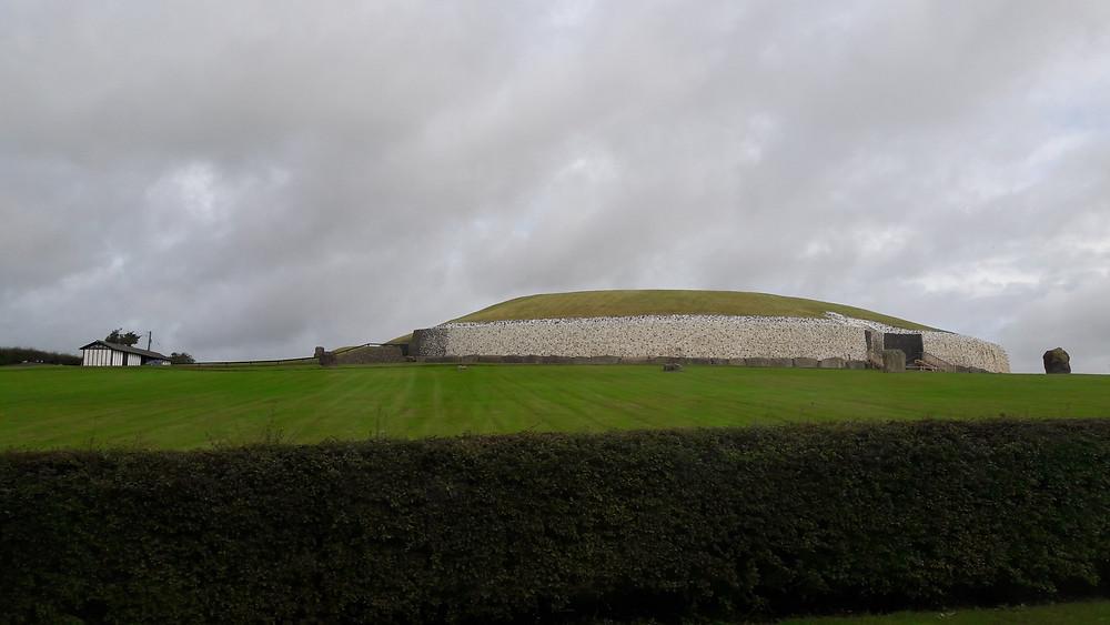 Newgrange - Vista lateral