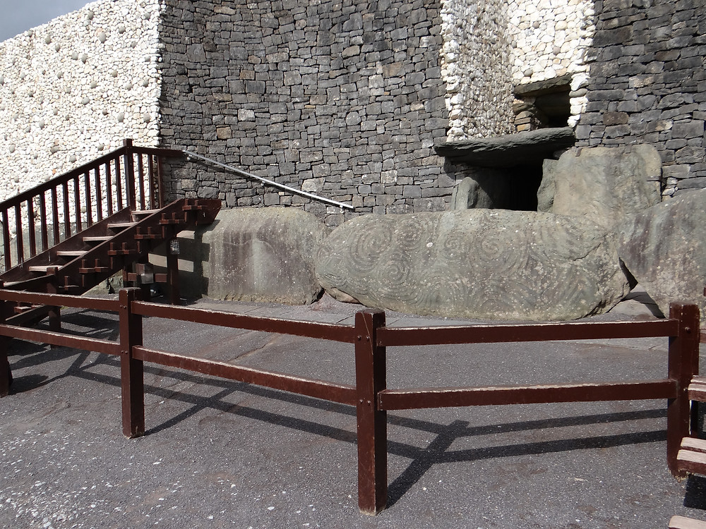 Acesso ao interior de Newgrange - Irlanda
