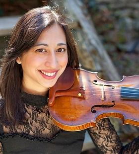 Shelley Mathews violinist