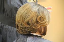 Укладка на средние волосы