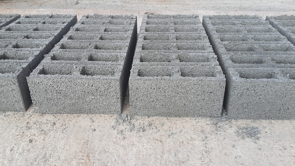 M6 Cavity blocks with crushed stone and cement