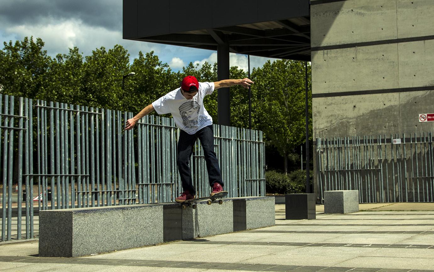 Flip Backtail - Pontoon Dock
