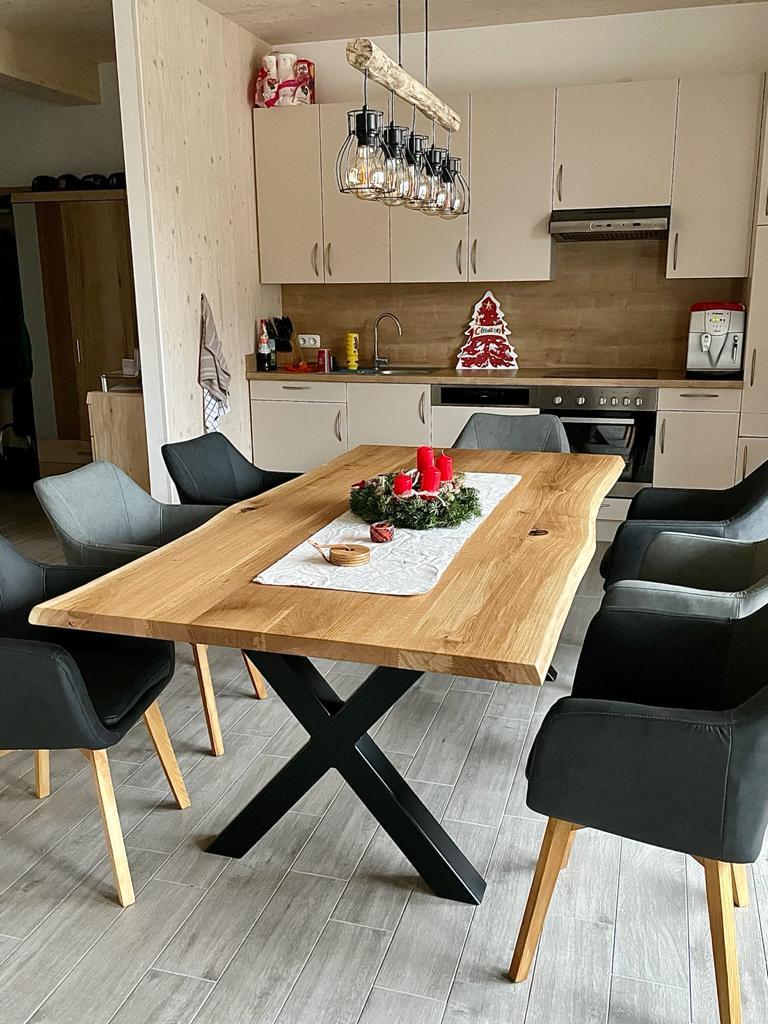 Tisch mit X Gestell