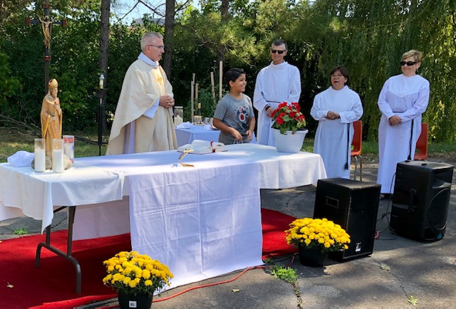 One of the children from our Syrian families was especially recognized for his 10th birthday. Parishioners sang happy birthday to him after Fr. Frank gave him a birthday gift.
