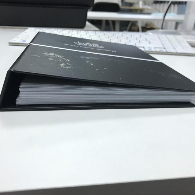 папка блокнот с твердой обложкой.