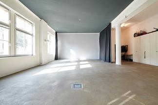 Mietstudio und Loft Location in Düsseldorf für Foto und Film und Events. Mietfotostudio. Flingern. Fotostudio. Locationstudio. Tageslicht.