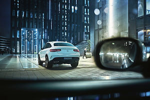 mercedes-benz-gle-coupe-city-night-lights-copyright-haegele-automotive-transportation-auto-car-photography-photographer-advertising-germany-deutschland-fotograf-werbung